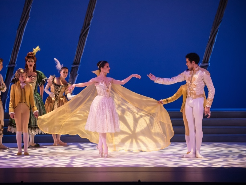 Milwaukee Ballet Company performs Cinderella - 2015